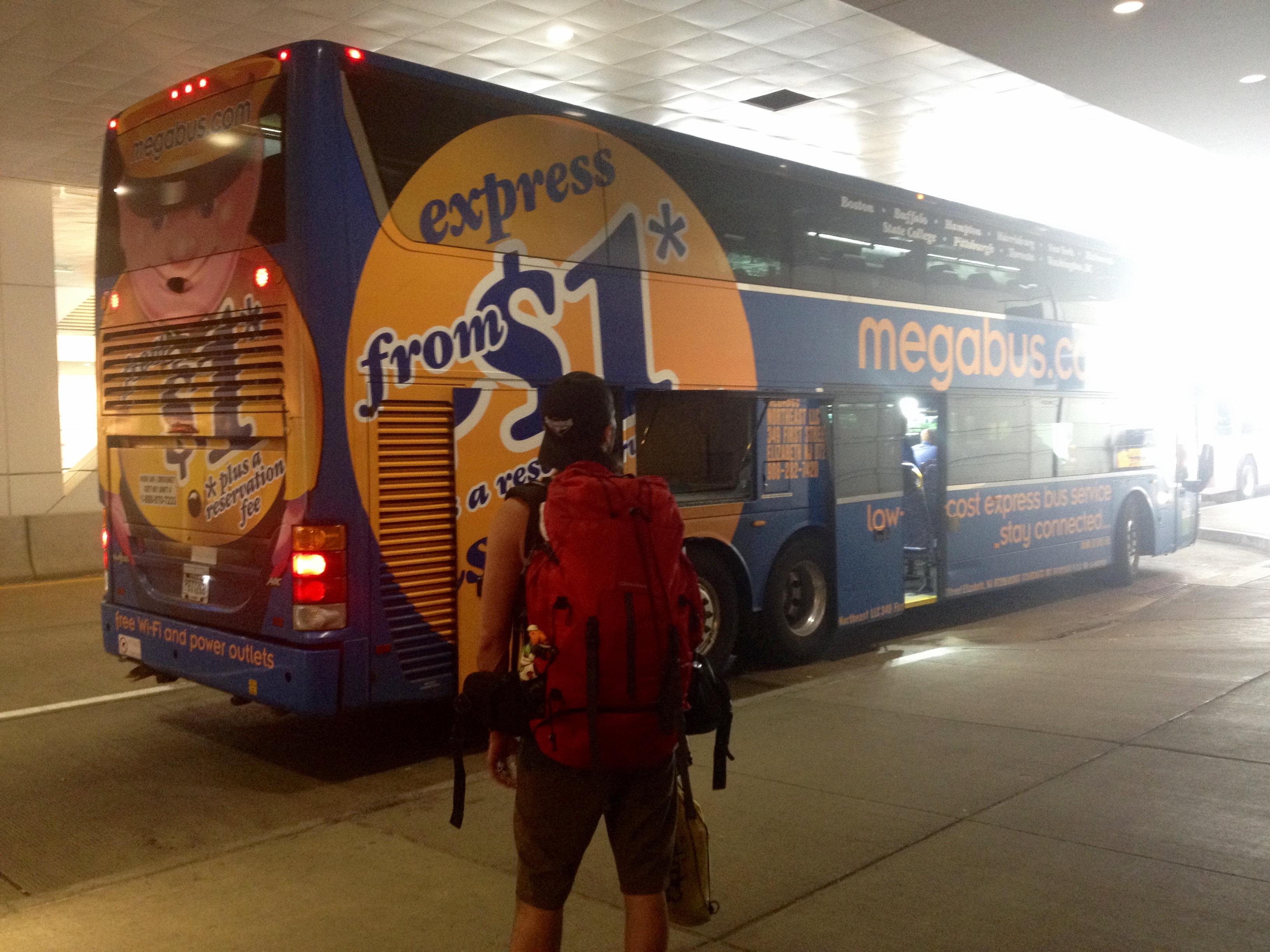 Prêts à monter dans le Megabus !!