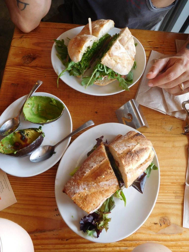 3 Days in L.A. - Lunch stop - Javista Organic Cage - Vegan Sandwiches