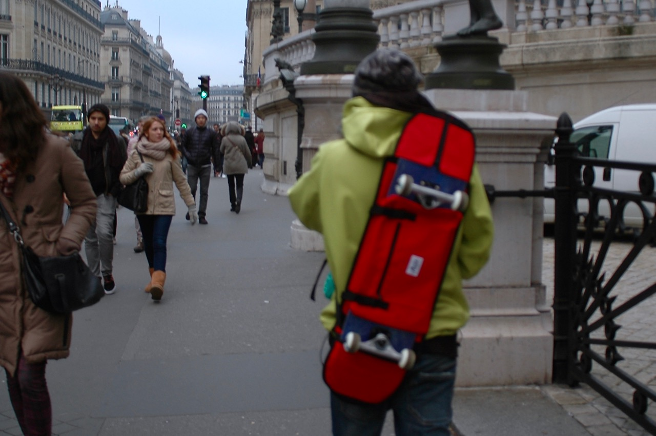Simone on the way to the Louvre with his skateboard bag in Opéra