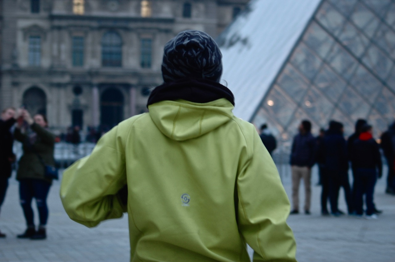 Simone facing the Louvre Pyramid