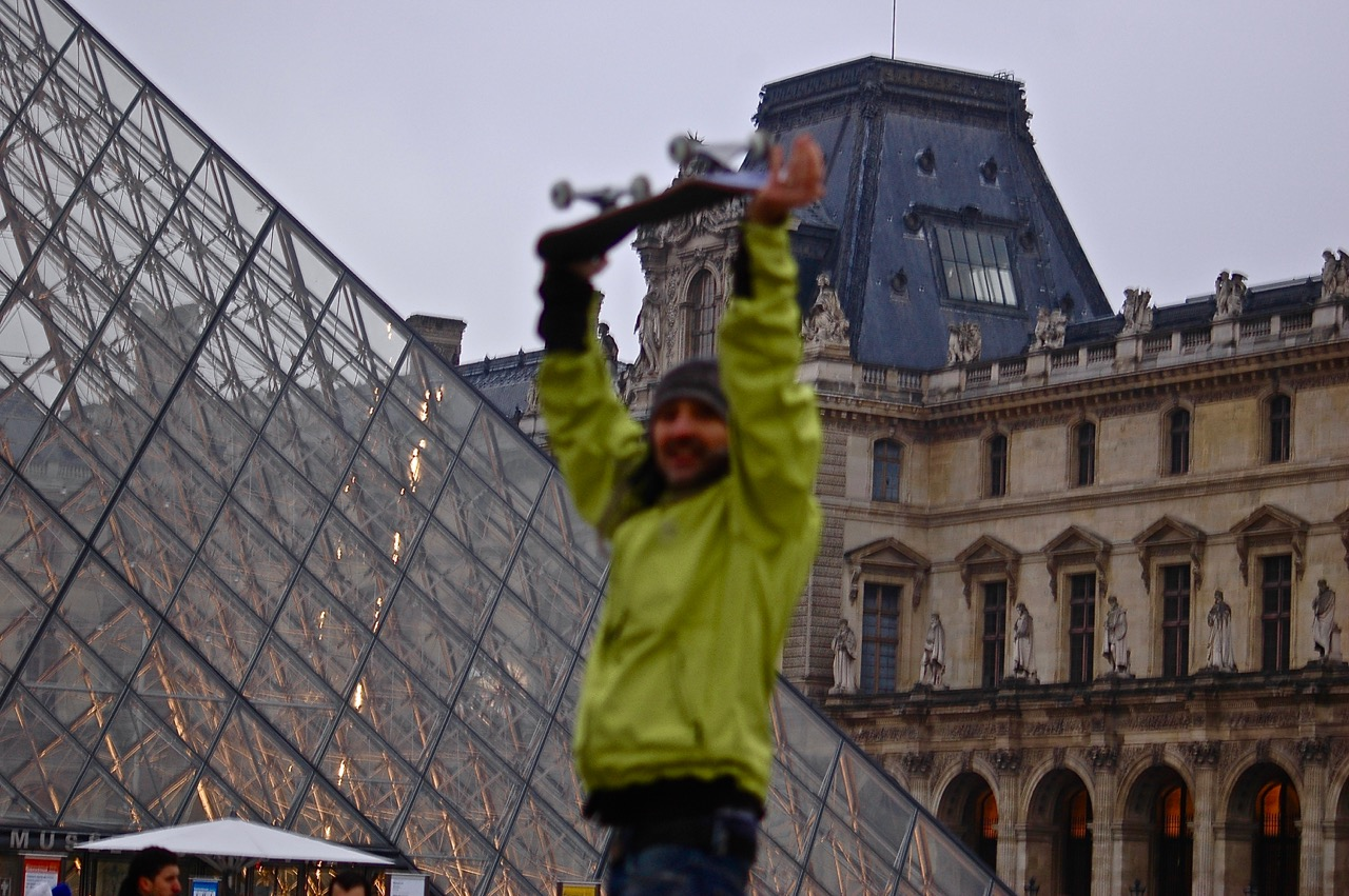 Winter in Paris - Skateboarding at the Louvre Pyramids (16)