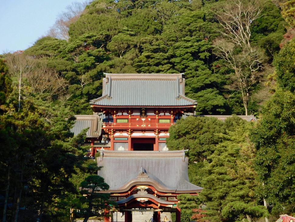 Le sanctuaire principal de Kamakura, avec ses deux étages et sa belle couleur rouge