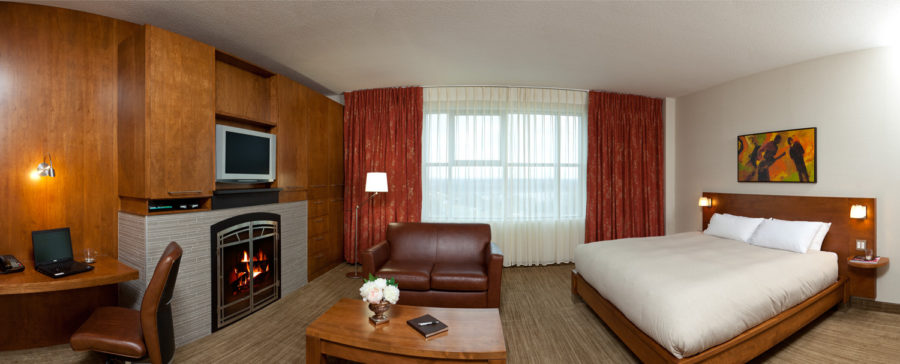 Room Luxueuse - Photo Credits to Hôtel Chateau Laurier