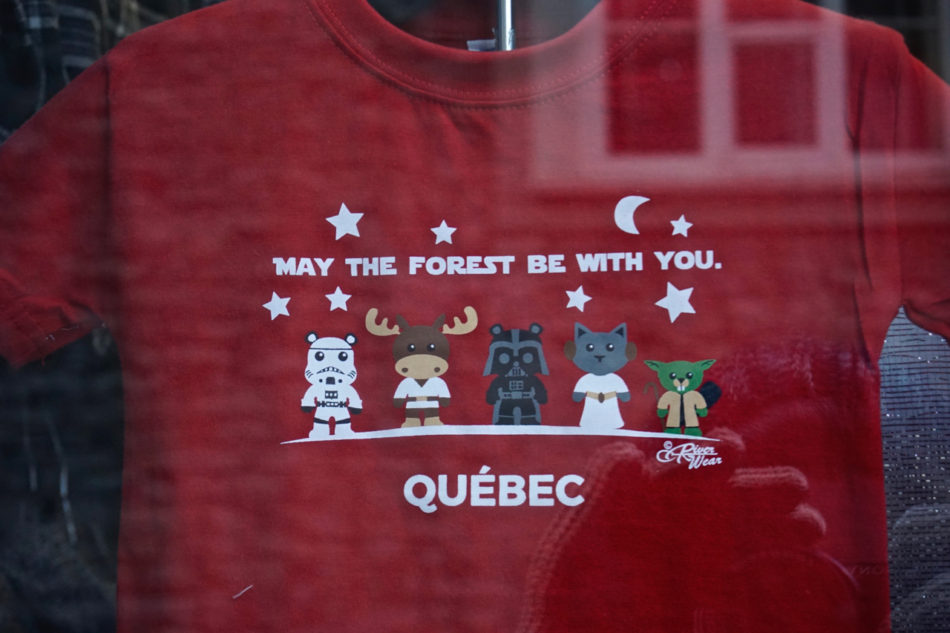 Souvenir shirt from Québec city