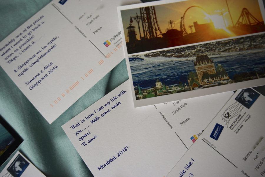 Dos des cartes postales en ligne