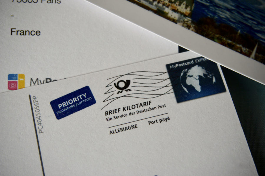 Timbre imprime par l appli de cartes postales en ligne MyPostcard