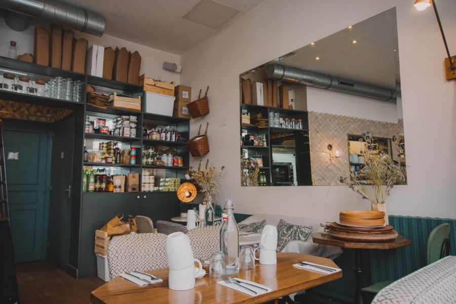 Café Pinson is a vegan friendly restaurant and brunch place in Paris