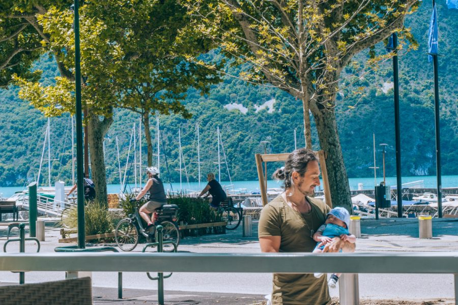A refreshing moment at the Lake Bourget in Aix les Bains