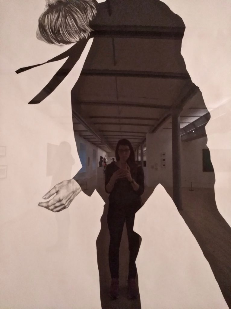 Art piece with Alice at the Tate Liverpool