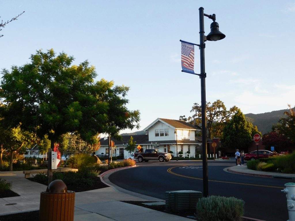 Welcome to Yountville - Great stop during our Road Trip in Northern California