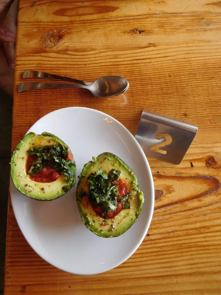 3 Days in L.A. - Lunch stop - Javista Organic Cage - Avocadoes