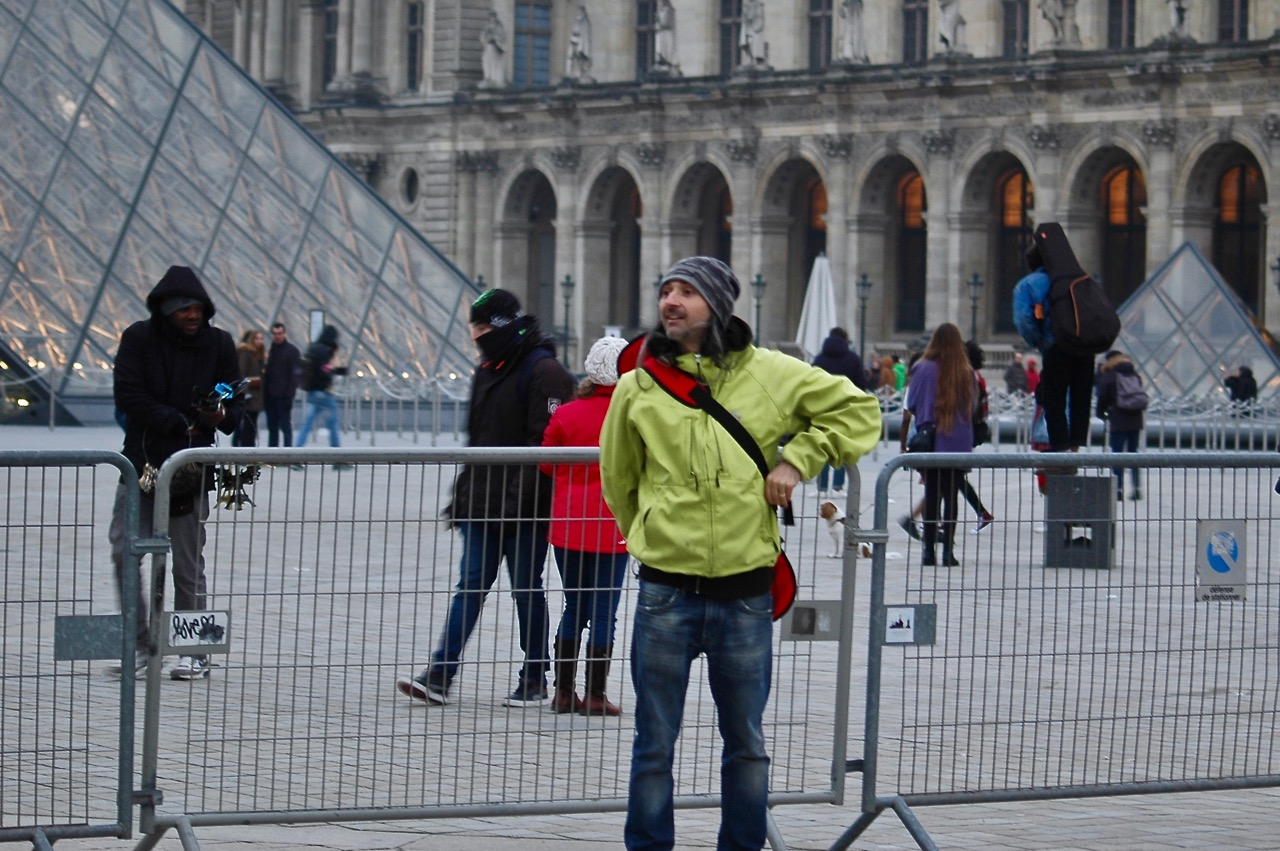Winter in Paris - Skateboarding at the Louvre Pyramids (08)