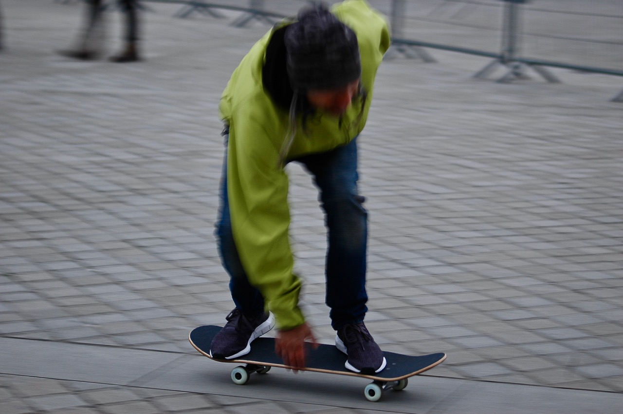 Winter in Paris - Skateboarding at the Louvre Pyramids (04)