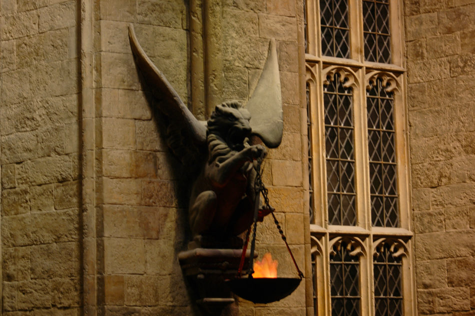 Great Hall statues at the Harry Potter Warner Bros Studio