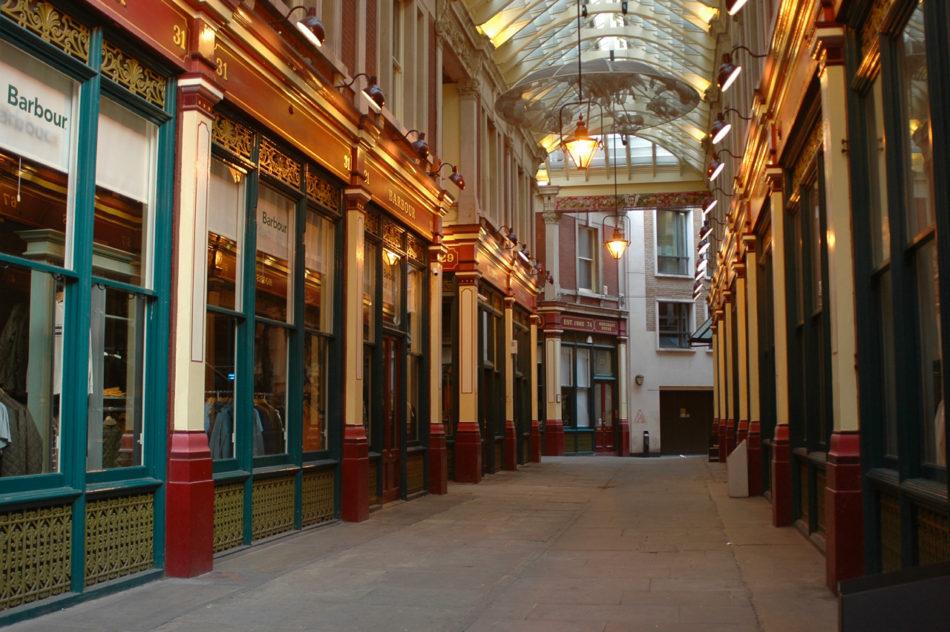 Un couloir de Leadenhall Market où les magasins du Chemin de Traverse (?) se trouveraient dans Harry Potter