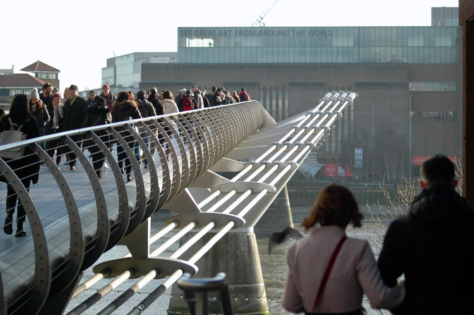 Le Millenium Bridge qui s'est écroulé dans le film de Harry Potter et le Prince de Sang-mêlé