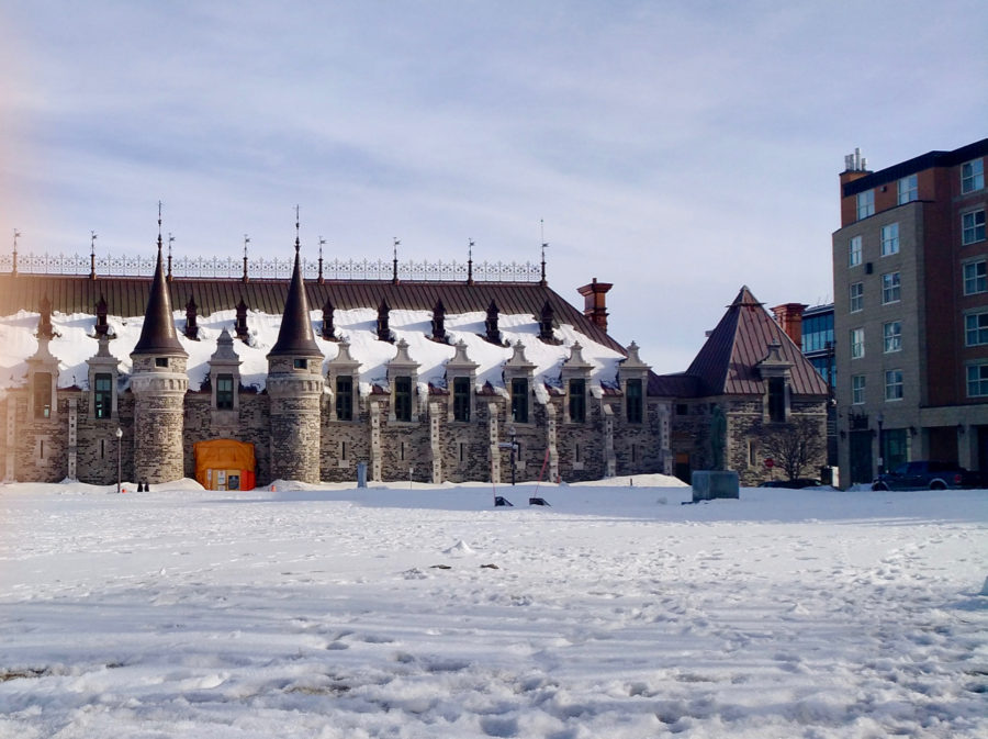 Quebec Armoury which is the neighbour of Hôtel Château Québec