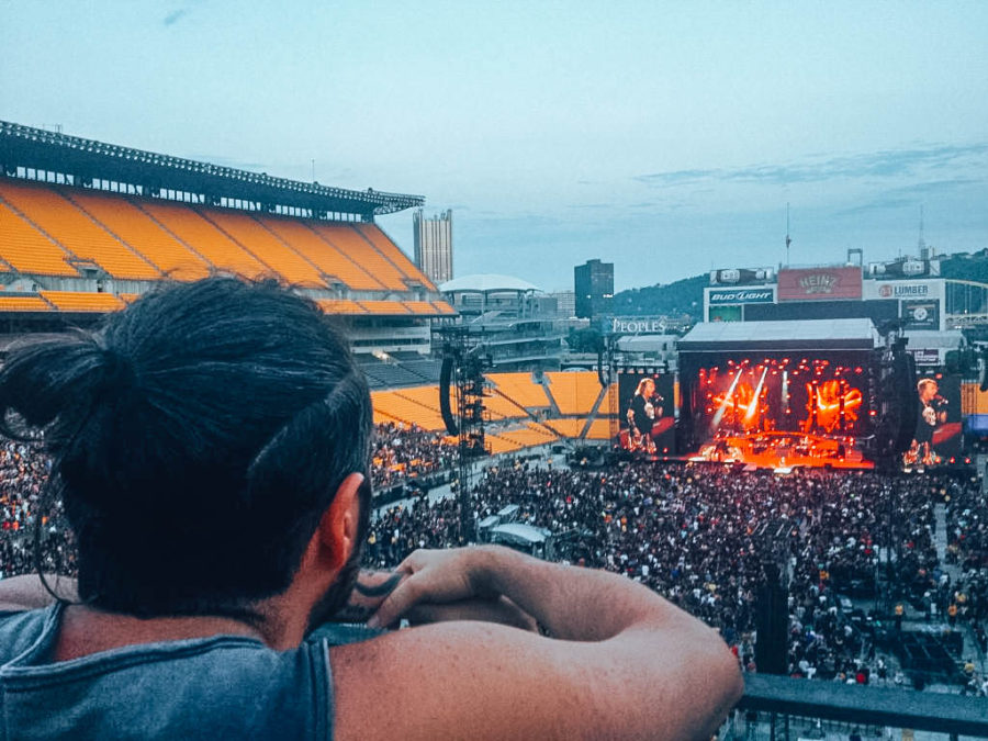 Itinerary USA road trip by bus - Guns'n'roses live show in Pittsburgh