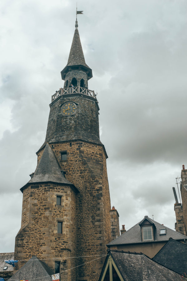 Tour de l'horloge de Dinan verticale