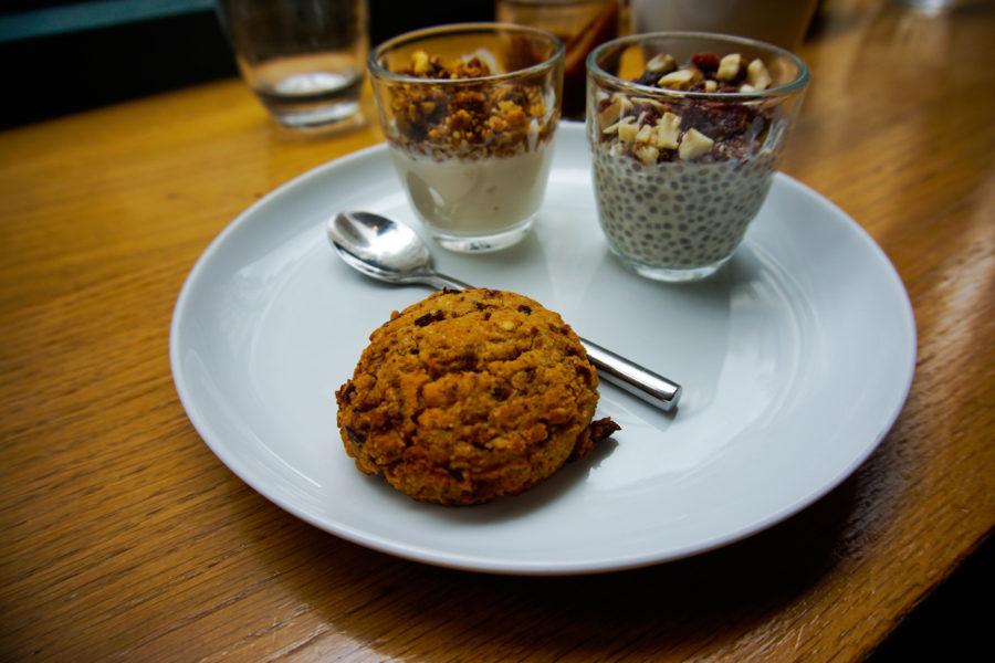 The sweets at the vegan brunch in Paris at vegan friendly Café Pinson
