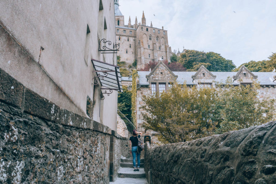 Climbing my way up on the cobblestones stairs and paths of the Mont Saint Michel