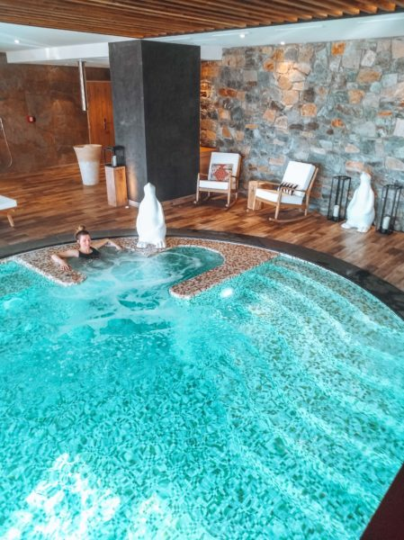 Alpe d'Huez ski holidays Spa des Alpes Hotel Grandes Rousses relaxing in the pool