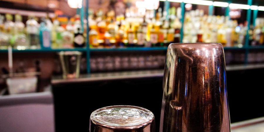 Exploring the best cocktail bars in Paris sentier neighborhood - Uma Nota