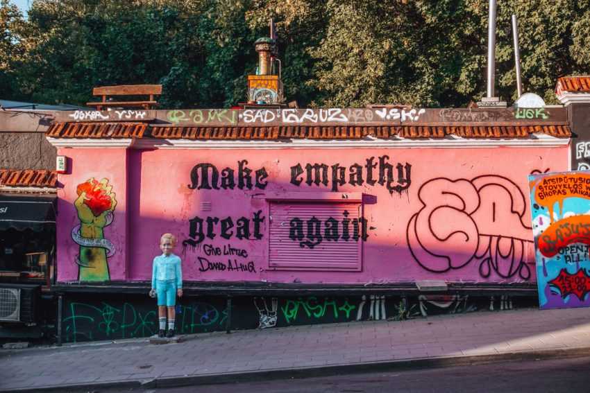 Make empathy great again mural in Vilnius