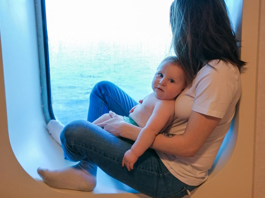 Dans la cabine privée du ferry sur notre trajet Biarritz Rome via Barcelone en train et ferry