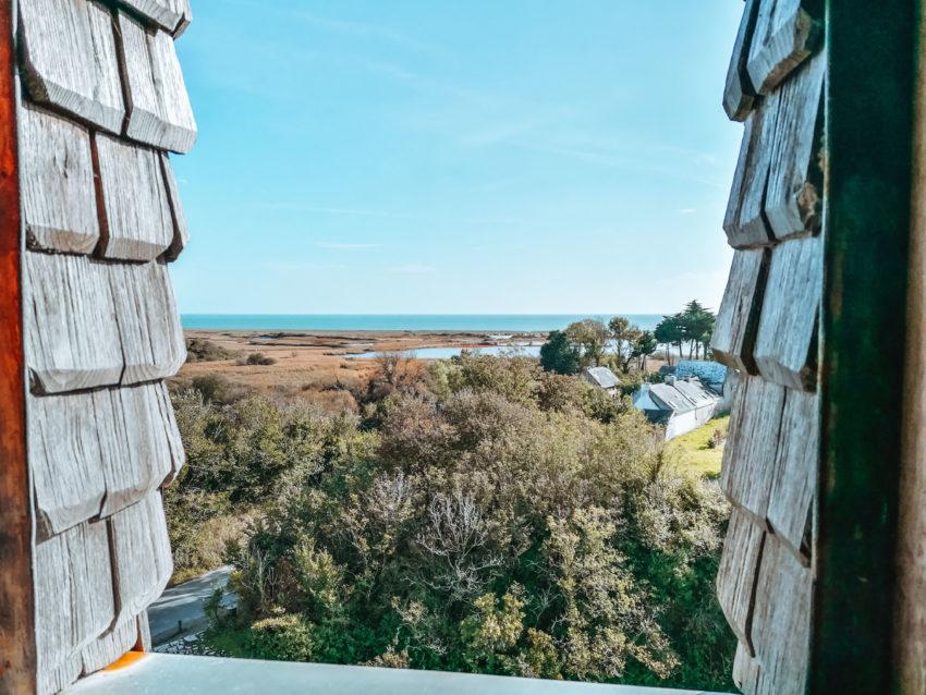 Par la fenêtre lors de notre visite au château de Suscinio-14