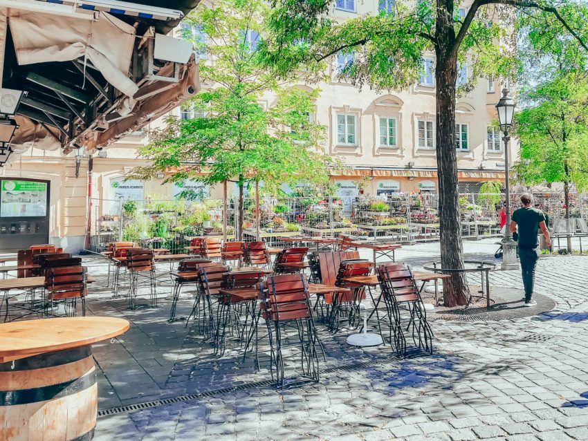 A terrasse on Viktualienmarkt on a day in Munich with a baby