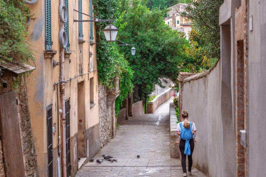 Hidden things to do in Perugia: walk on the via dell'aquedotto